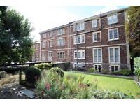 3 bedroom flat in Garden Flat, Pembroke Road, Clifton, Bristol, BS8 3ER