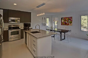 Ballymote Woods - Gorgeous Former Model Home London Ontario image 4