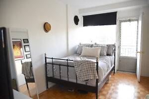 Room to sublet a few steps away from Concordia