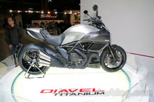 2015 Ducati Diavel Titanium Limited Edition Like New