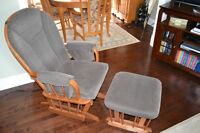 Chaise bercante Rocking Chair with foot rest