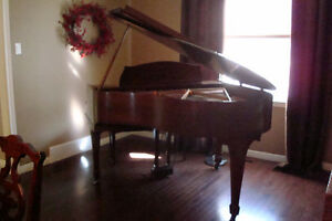 BEAUTIFUL BABY GRAND PIANO FOR SALE,