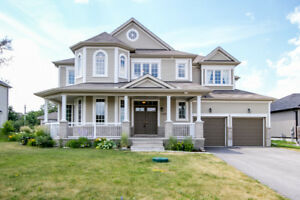 Spacious, perfect family home in new Almonte subdivision!