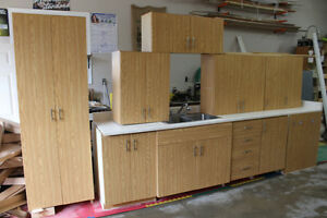 GOOD USED CABINETRY FOR SHOP,GARAGE, LAUNDRY, RENTAL PROPERTY