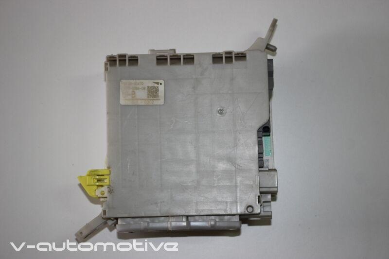 2007 LEXUS LS 460 / DRIVERS JUNCTION BLOCK FUSE BOX 82730-50470