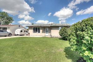 Excellent Southdale Bungalow, Large Double Insulated Garage