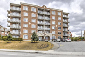 3 bedroom LUXURY condo in NOUVEAU St-LAURENT available NOW