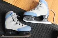 FIGURE SKATES CCM 50 (Thicker for Insulation) Youth Girls Size1
