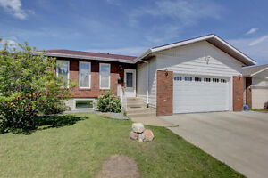 1700 FT2 BUNGALOW WITH SUITE! HUGE REVENUE OPPORTUNITY!