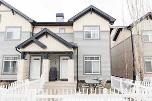 Beautiful fully furnished/central air west end townhouse