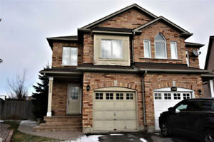 Beautiful 3 Bedroom Home in Prime Mississauga Location