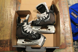 Bauer youth size 7 skates, EXCELLENT condition