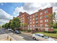 4 bedroom flat in Iron Mill Road, Wandsworth, SW1