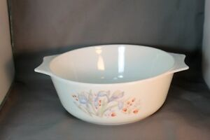 Vitg Pyrex from England Iris Pattern blue & peach flowers