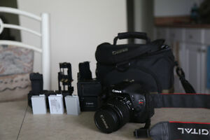 Canon T3i Body, bag and tripod: Price firm