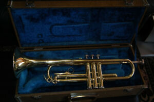 Vintage Yamaha YTR-232 Trumpet Gold With Case & Mouth Piece