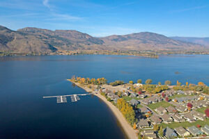 Lake Osoyoos Okanagan Valley BC and WA