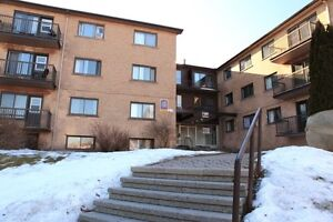 Dorval:2.5,3.5 in the best location for rent 1st July