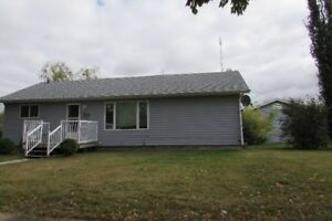 Upgraded bungalow and heated 28x30 G on 2 lots!