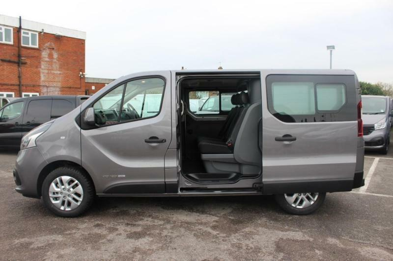 2016 renault trafic ll29 energy dci 120 sport crew van diesel grey manual in sutton london. Black Bedroom Furniture Sets. Home Design Ideas