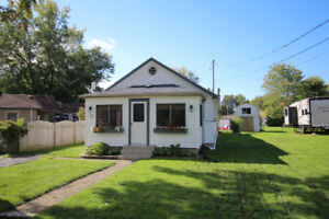 Short-Term Furnished Cottage ($1,600/mth Incl.) Oct  to May