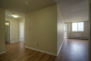 West-End 2bdrm   Secure, Clean & Quiet   All Utilities Included Kingston Kingston Area image 3