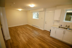 2 br | NEW! | Center Lynn valley | $1700 | SHAW 150 Internet!