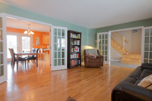 Beautiful Spacious Property - Perfect Location (Cormier-Village)