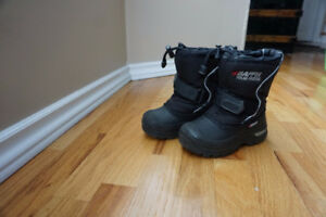 Baffin Winter Boots, Size 9