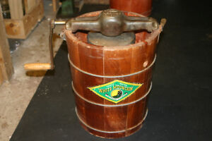 WHITE MOUNTAIN HAND CRANK ICE CREAM MAKER Located St Stephen