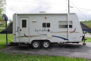 Jay Feather Hybrid by Jayco 19 feet