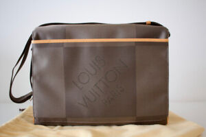 Louis Vuitton Messager NM in Damier Geant Terre