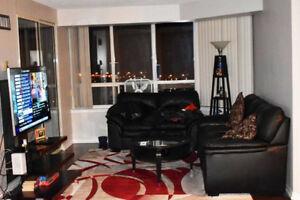 Stunning Tridel Luxury Condo 2 Br + 1 Den Suite ! Modern Renovat
