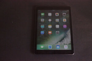 iPad AIR – 32GB – Excellent condition - With Case – Ready to Use