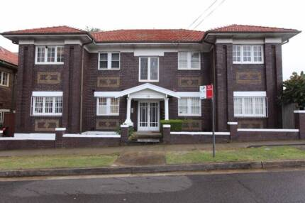 1 large bedroom - in the heart of kingsford - close to sydney uni