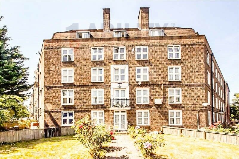 Lovely 4 Double Bedroom Apartment in (SE8)   in Clapham ...