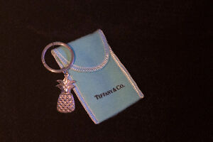 TIFFANY PINEAPPLE KEY RING/ CHARM PENDANT