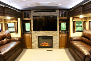Luxury Fifth Wheel for Rent on 5 Acre