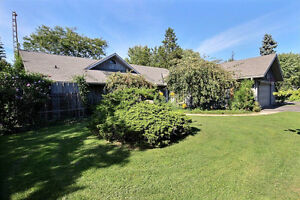 Beautiful country home,SOLD WITH NO REAL ESTATE AGENTS! London Ontario image 1