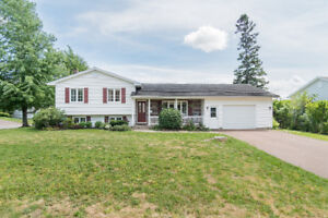 51 FRIZZELL CRES. FAIRVIEW KNOLL! $229,900!