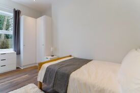 Room to let, just minutes from Brixton and Streatham Hill Stations