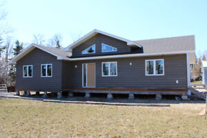 Beautiful Ready-to-Move Home!!   RTM