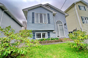**FIRST TIME HOME BUYER ALERT! HOUSE MUST SELL!!**