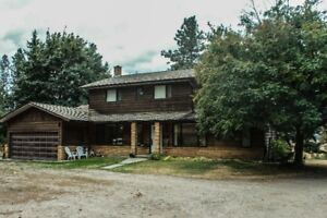 4245 Frederick Road, Armstrong, Perfect private family acreage