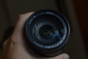 Canon EF-S 18-200mm f3.5-5.6 Zoom Lens