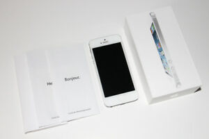 APPLE IPHONE 5-CELLULAR CELL  TELEPHONE/CELLULAR PHONE (C017)