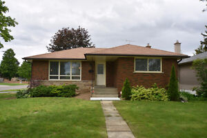 HWY 403 ACCESS, INLAW SUITE. OPEN HOUSE SUNDAY 2-4