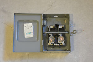 2 circuit load center auxiliary fuse box A/C 25amp motor switch Kitchener / Waterloo Kitchener Area image 3