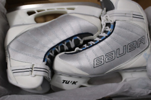 NEW Bauer women's skates