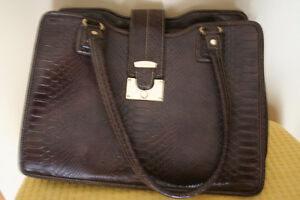 Preowned Liz Claiborne  ---- Great Condition